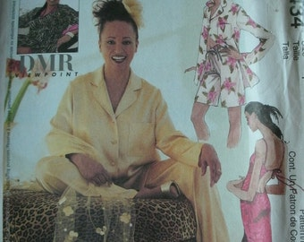Misses Lined Caftan, Bias Gown in Two Lengths, Top, Pull-on Pants and Shorts Sizes 4-6-8-10-12-14 McCalls Pattern 3434 DMR Viewpoint UNCUT