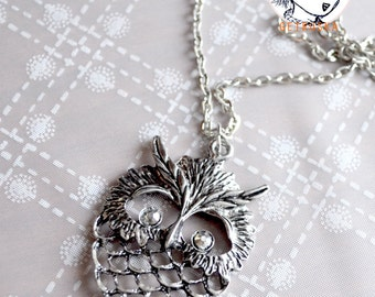 Collana con medaglione gufo / Necklace with owl locket