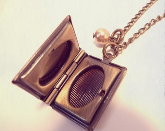 Antique Bronze Book Necklace- Vintage Style Jewellery Jewelry -Photo Love Locket - Vintage Gold Jewellery - Long Necklace - Present, Gift
