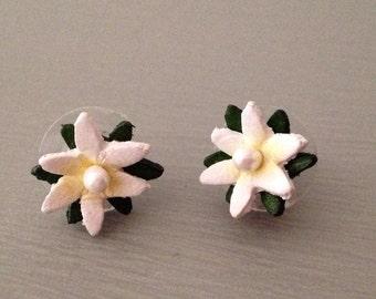 Tiny Daisy Earrings