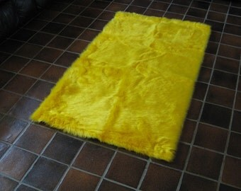 5' x 8'  Premium Yellow Faux fur rug non-slip washable and a canary real chic and nice for teens