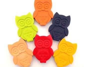 Owl crayons, birthday gift set of wax crayons. Set of 6 birds.