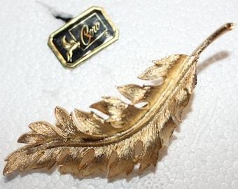 Coro 1961 gold Leaf