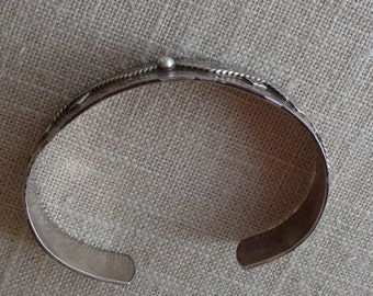 Sterling silver cuff bangle / bracelet made in Trindad with a rope and leaf design