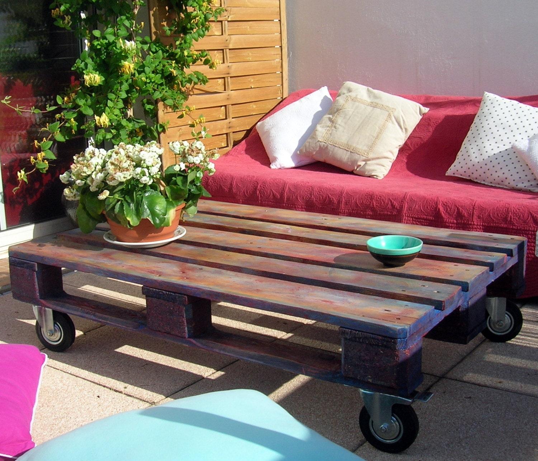 table basse palette recycl e peinte. Black Bedroom Furniture Sets. Home Design Ideas