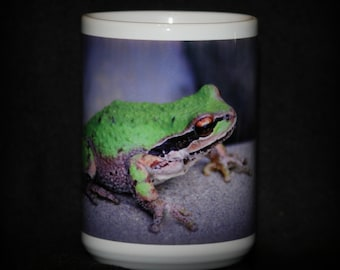 Sweet green  tree frog mug