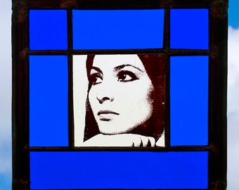 Esther Ofarim, Esther Ofarim stained glass, Esther Ofarim portrait, glass portraits, Stained Glass Elements, glasspainting, blue glass