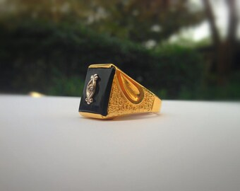 Beautiful Black Onyx Gold Ring