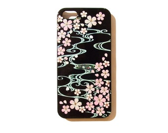 Japanese traditional lacquer designs iPhone case.  <iPhone5.5s.6> cherry blossoms