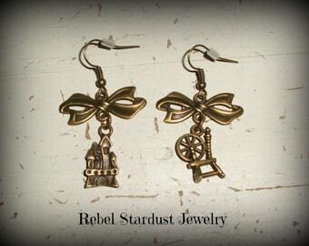 Sleeping Beauty earrings with a cute bow