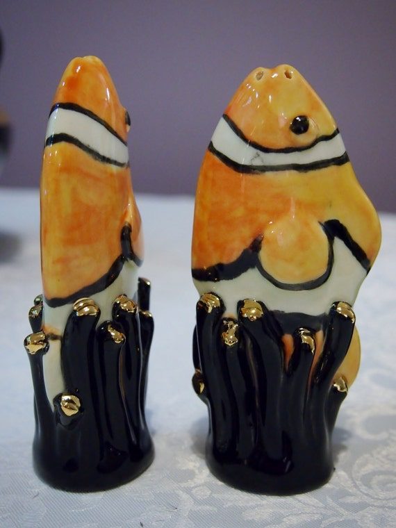 Beautiful And Unusual Salt And Pepper Shaker In Clown Fish