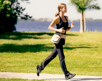 TwoMorePockets – WALKING made a bit lighter by storing what is needed on your hips!