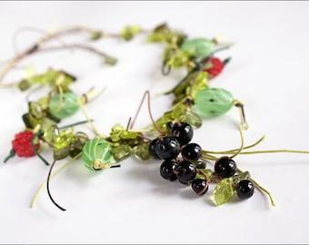 Gooseberry necklace - Great boho nature necklace - Lampwork berries bijou - Green gooseberry raspberry blackcurrant jewelry
