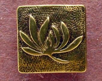 Lotus - Shank Button - B606