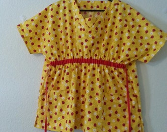 Scrub Top - Maturnity - Yellow with red ladybugs