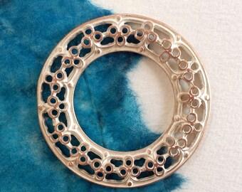 0607.001 Silvered Copper Round Filigree Pendant 30 mm