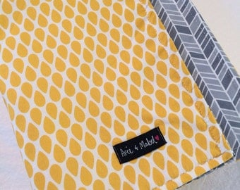Yellow organic baby blanket. Yellow and grey. Gender Neutral. Organic cotton and bamboo. Modern organic baby blanket by Avie and Mabel