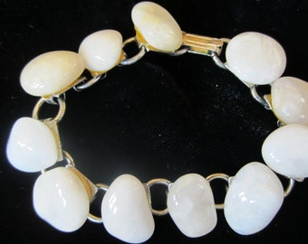 Pearl rock chunky braclet with gold clasp