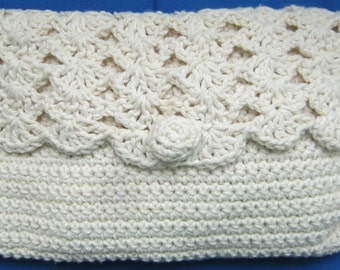 Clutch, Ladies handbag suitable for any occasion. The bag is made with a single crochet stitch, the lid with a shell stitch & scalloped edge