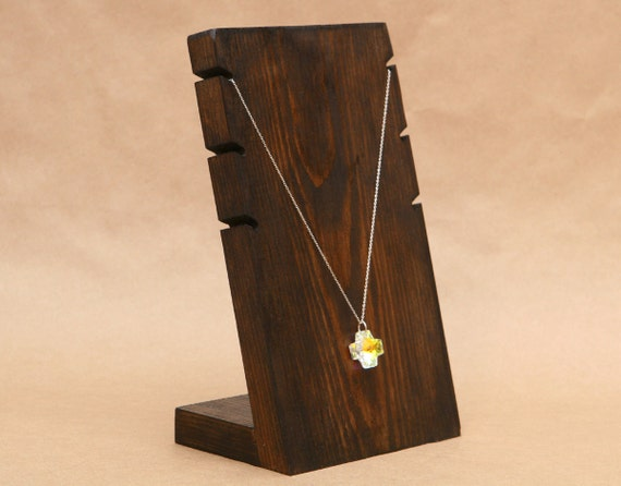 Jewellery Stand Designs : Necklace display stand vintage pendant