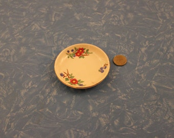 Very Simple, Pretty Royal Doulton Pin Dish