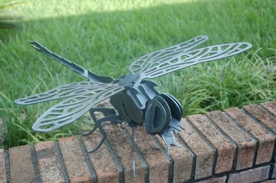 Dragonfly in steel (3D)