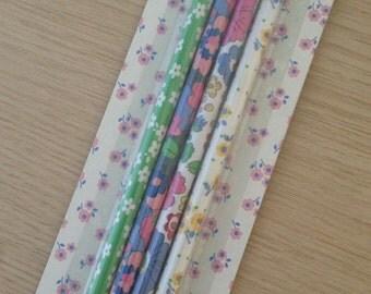 Set of 4 floral pencils (PC01)