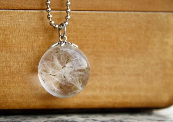 Collier boule transparente
