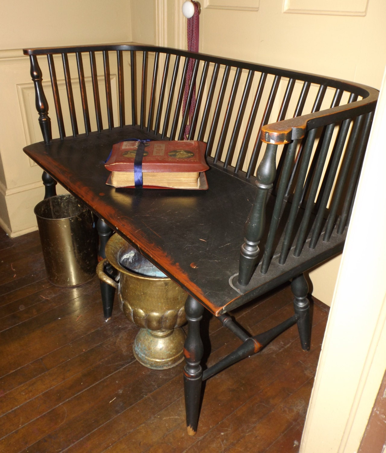 Windsor Amish Black Bench Hallway Bench Settee