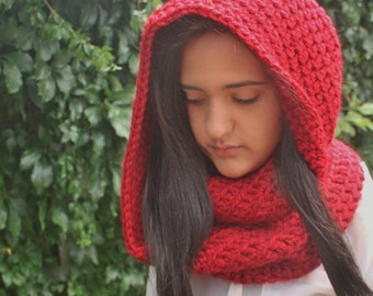 Oversized Chunky Infinity Scarf, Crochet Winter cowl, Red