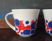 Pair of Vintage Mod Floral Coffee Mugs Red Blue Abstract Flowers FREE SHIPPING