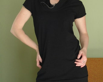 hooded short sleeved tunic dress in BLACK