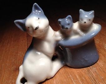 Vintage Mother & Kittens ceramic figurine