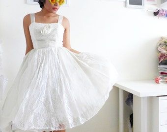 VINTAGE 1950s lace and organza dress