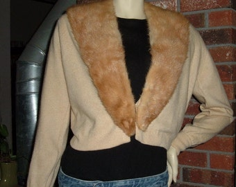 50s Fur Collar Cashmere Sweater 38 M Ballantyne of Peebles Scotland Vintage