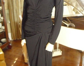 RARE Late 30's Early 40's Black Ruching in waist and sleeves  drags longer in the back, Cleopatra side
