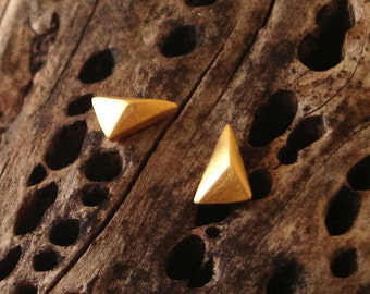 Triangle Stud Earrings Tiny 24k Gold Plated Sterling Silver Faceted Triangle Pyramid dainty Geometric Jewelry minimal