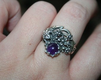 SALE...Vintage Sterling Silver Frog flowers amethyst stone Ring Twig Diorama  Stunning in size 8