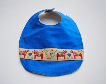 Dala Horses Baby Bib with Organic Flannel - Dazzling Blue Drooling Bib with Red Nordic Horse Trim - Eco Friendly Modern Kids