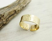 Simple Hammered Brass Band Ring. Golden Ring. Brass Ring. Hammered Metal. Minimal. Modern. Boho. Thick Band Ring. Ancient Style.