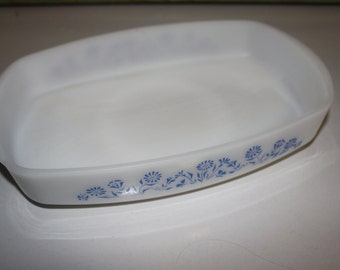 Federal ware ~ Milk Glass ~ Rectangular Bakeware ~ Serving Dish