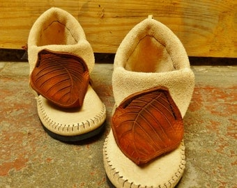 NEW! Autumn Leaf Moccasin Hand Stitched Soft Bullhide Leather Upper With A Durable VIBRAM Sole / Mens Womens Moccasins Hobbit Nymph Pan