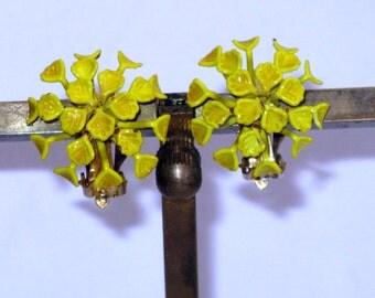 Vintage Yellow Enamel Floral Clip Earrings (E-1-6)