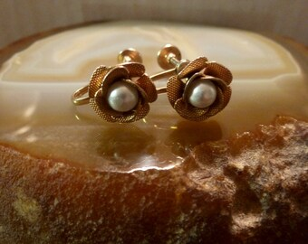 Vintage Mid Century Gold Tone Rose with Pearl Center Screw On Earrings
