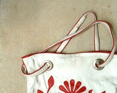 A vintage White and red leather shoulder bag, The leather is super soft, and thin, best of quality, pattern red Art Deco