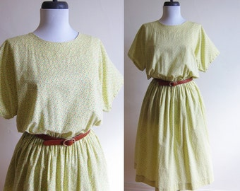 Vintage 1970s Dress / Yellow Calico Floral Cotton Dress / Size Large or Extra Large / 34 Inch Waist