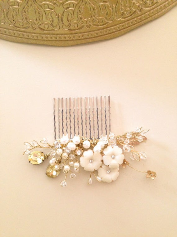 Bridal hair comb fascinator crystals gold pearls Rhinestones wedding