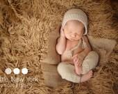 Newborn photo prop, newborn pants, newborn pants set, newborn pants and hat bonnet, newborn boy, newborn girl, newborn props, knit pants .