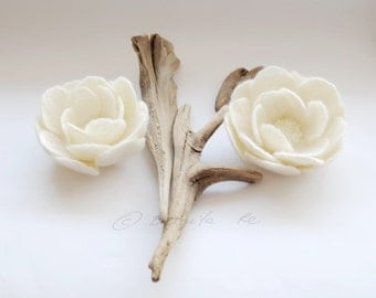 Set Of Two Small Felt Spring Flower Pin Brooches Corsage Natural Ivory White