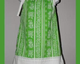 Girl's Green Dress, Size 4, Hand made Pillowcase Dress, vintage pillowcase,  green white handmade dress, Pinafore, Vintage pillowcase dress